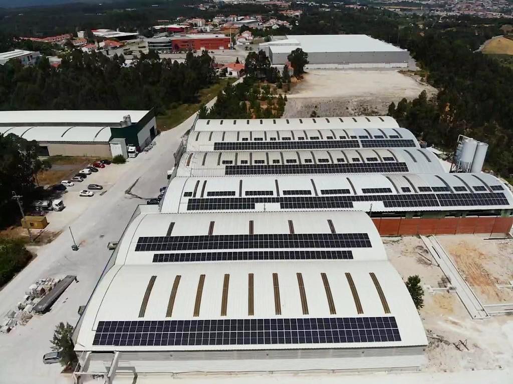 Marfilpe conclui investimento em painéis fotovoltaicos